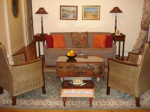 Living room, launchpad for Paris adventures!