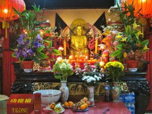 Buddha in underground temple, rue du Disque